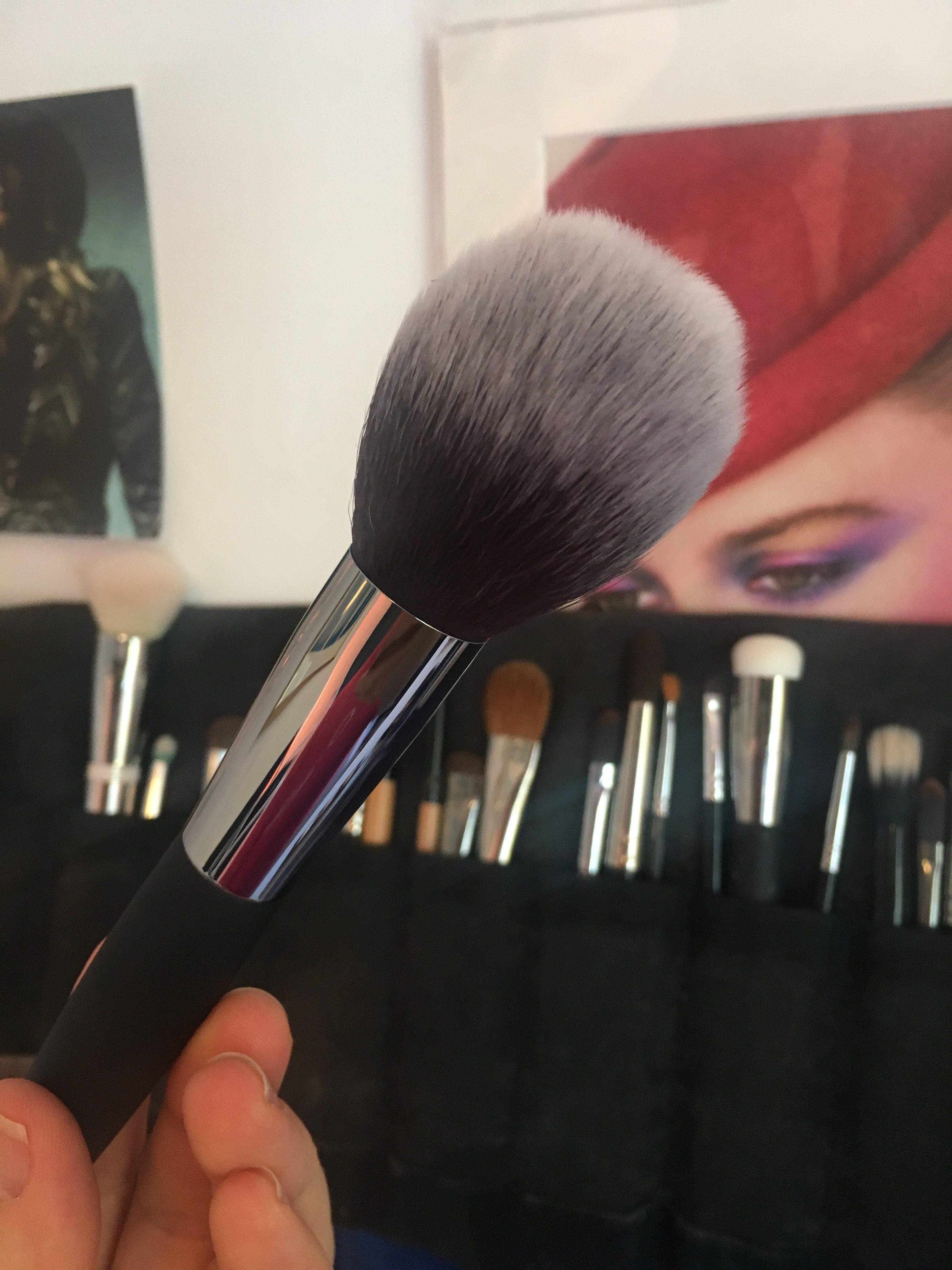 photo of bronzer brush from It cosmetics